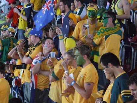 Aussie fans at half-time. Go the greeen and gold!