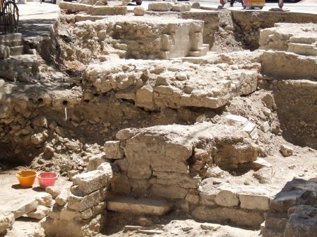 Wherever anyone digs in the old town of Zadar, it is almost certain that ancient ruins like these would be unearthed. There are so many ruins that modern buildings are simply built over the top, otherwise the town wouldn't develop further.