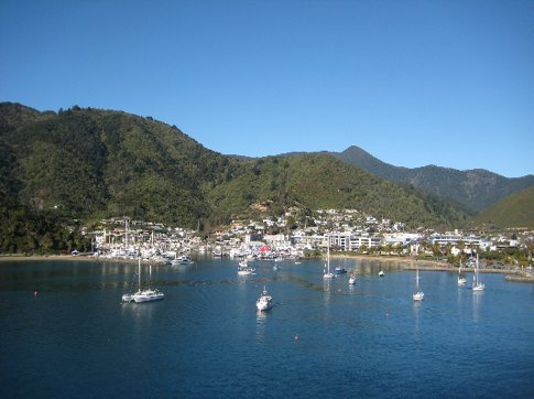 The sun appears at last as we arrive in Picton