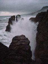 The Tasman Sea batters the coast at Punakaiki: by markr_mcmahon, Views[1075]