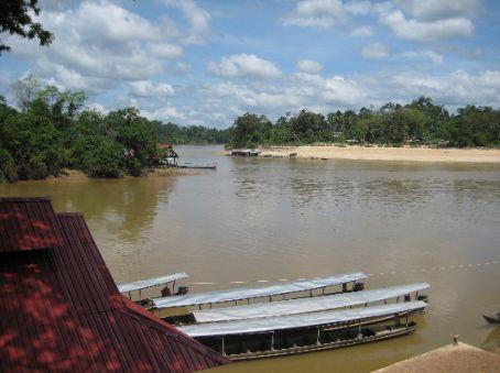 The jetty at Kuala Tembeling