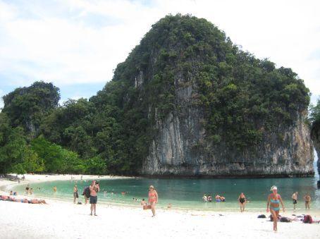 Beach at Hong Island