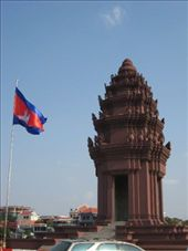 Independence Monument, Phnom Penh: by markr_mcmahon, Views[413]