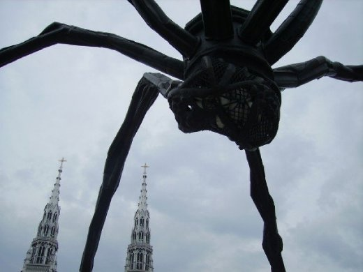 A big spider outside the Ottawa Musuem of Art. Apparently this had been in London a little bit before