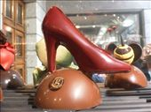 Tried some tasty coffe and pistachio maccaroons here, nice ruby heel of chocolate: by matt_tani, Views[96]