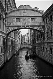 Venice, Ponte dei Sospiri - Canale con gondola: by matteom, Views[123]
