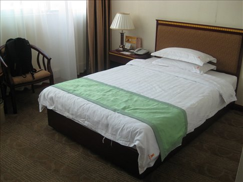 My hotel room in Longyan. Not bad for $20AUD per night!!