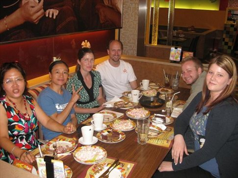 Lunch at the pizza restaurant in Longyan. June, Jenny, Amber, Will, Ben and my self. :)