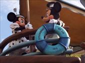 Minnie and Micky on Steamboat Willie in Disneyland Paris: by mel, Views[466]