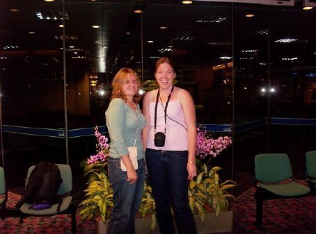 Mel and Kat in Singapore airport on our very first stop-over