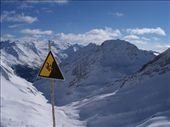 Is that a sign advising you not to go down without your skis on?: by melissa, Views[226]