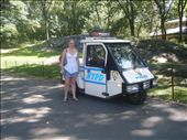 These are everywhere in NY, i managed to find one that no-one was in so i could get a photo with it... Little police car.: by melwhite14, Views[149]