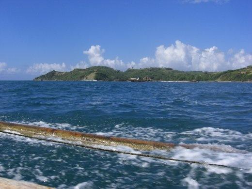 Crossing the bay to Ekas