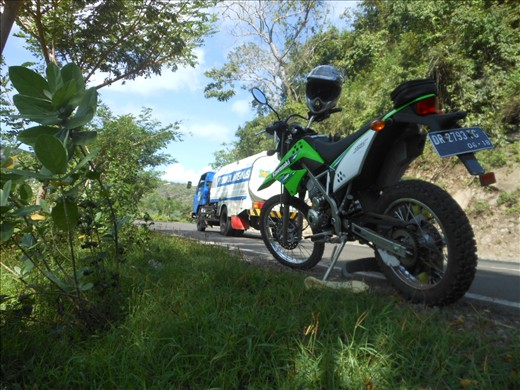 Rest stop on the climb out of the Dompu valley