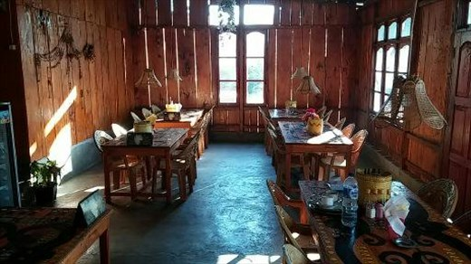 Lucas Authentic Homestay restaurant