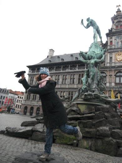 Posing in Antwerpen