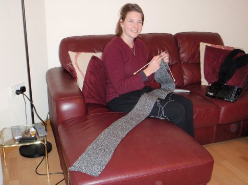 Em knitting Maneesh's new scarf - a must for an Irish winter