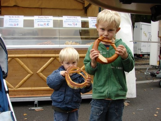Tom and Finn with their pretzels!