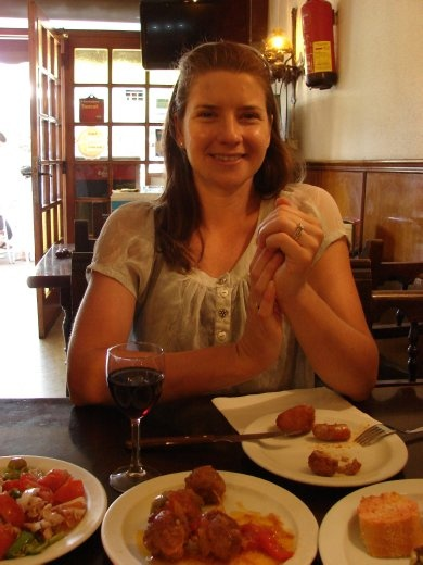 Em enjoying a Tapas lunch. Very tasty dishes.