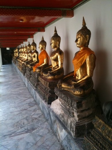 omg - never seen so many Buddhas!