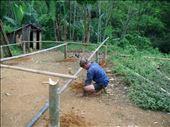 A man of Badui Luar Tribe develops his new house using bamboos.: by mlakumlaku, Views[87]