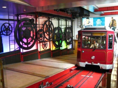 The tram returning