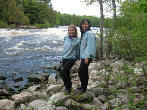 Lunch : the rapids don't look terribly scary when you're just standing next to them