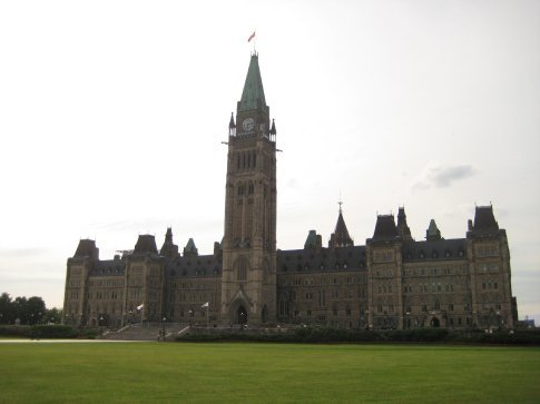 The Peace Tower looks like Big Ben
