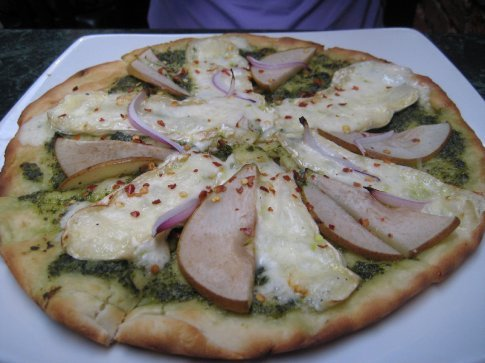 Pear and camambert pizza