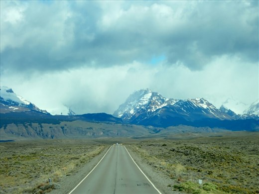 The road to El Cheltan
