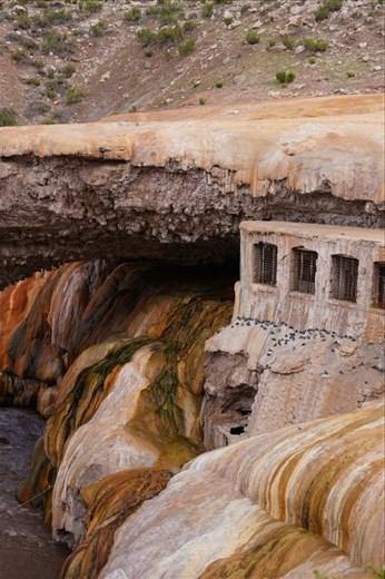 Puenta del Inca (Inca bridge is a natural mineral formation)