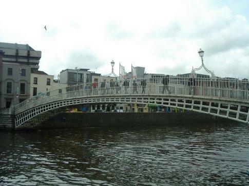 Ha'penny bridge on the walking tour
