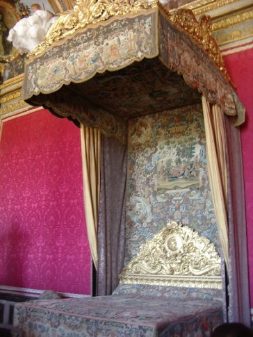 A bed in the Royal Apartments