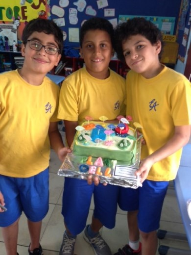Incredible Edible Cell Project - Karim, Ahmed and Hussein ... this cell was AMAZING!