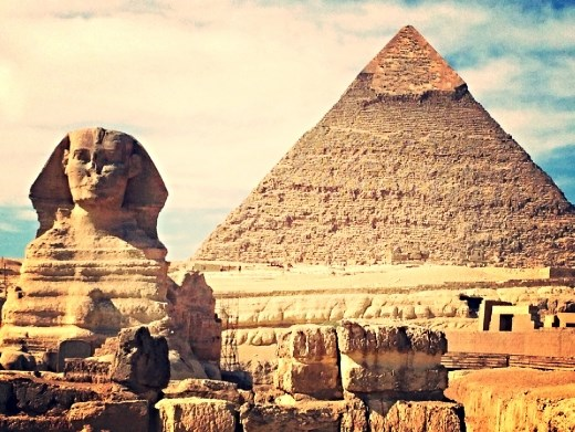 another breathtaking view of the Sphinx and the Great Pyramid!