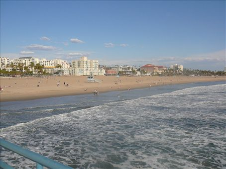Santa Monica from the end of the pier to Venice