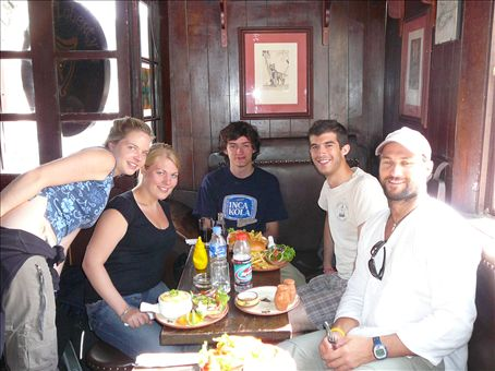 Liz, Soph, Tao and Ben joined us for a scrummy lunch at Paddys Irish Pub (the highest Irish pub in the world, 3200m+)