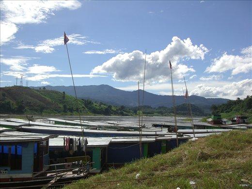 Arriving in Huay Xai