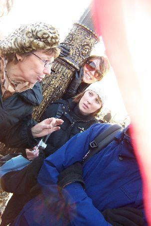 Ana being silly behind Sylvia at La Place de La Concorde
