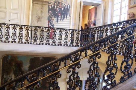 staircase in the musee. this is not of any importance in france - it's in every building