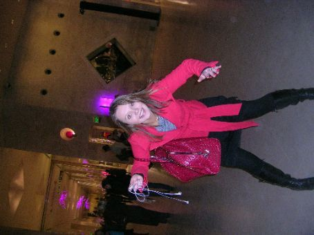 ana sliding on the floor boards in the louvre... yes, the louvre itself is not intersting enough.. we have to play games