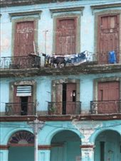 One of the rundown old buildings in Havana. Building materials are hard to come by, therefore maintanence is difficult.: by nigelb, Views[218]