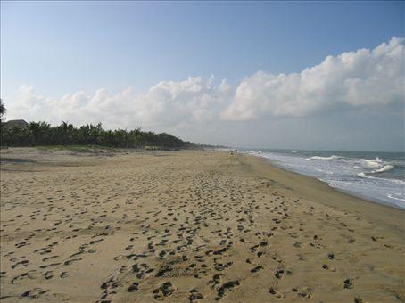 Cua Dai beach, an easy 5km bike ride from town.