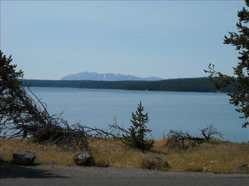 Yellowstone Lake, biggest lake in USA over 7000ft