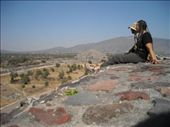Teotihuacán - sitting on the Temple of the Sun: by nomad_kiwis, Views[281]