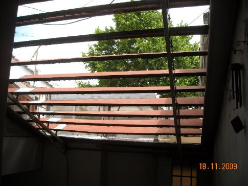 the roof in the flat could be wound open to let in light and air. A wonderful invention, can we do this in NZ?