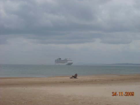 this is for you Micheal, just to make you feel at home...  The first cruise huge ship to come here.