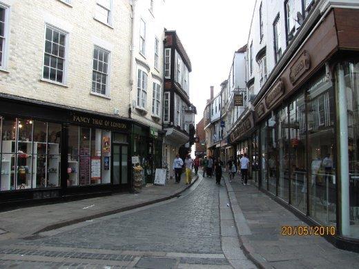 Canterbury narrow streets