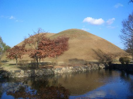 Burial mound dating back to about 600AD for someone very important in GyeungJu.