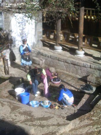Wash day in Lijiang